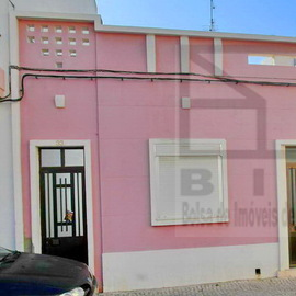 Maison au centre de Vila Real de Sto Antonio