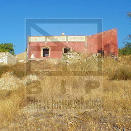 Terrain - ruine - colline - Loule